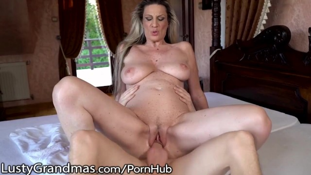 Lusty amateur - Lustygrandmas big tits mature gets that good cock