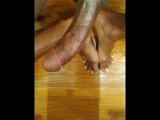 Ebony tranny jerks off dripping cum all over...