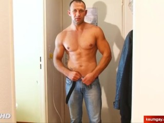Str8 fit neighbour serviced in a gay porn in spite of him