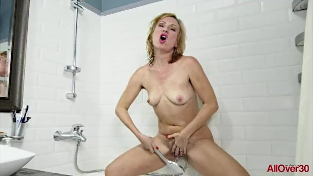 All over 30 tori hairy bush - Blonde milf kate s masturbating hairy pussy with showerhead on allover30