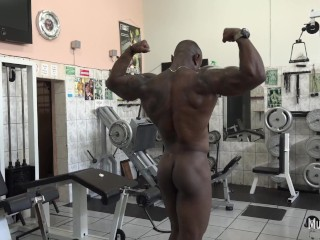 Pumping muscles naked...