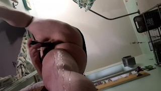 MILF can't stop squirting all over herself