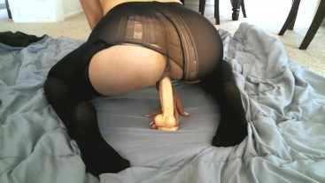 Amateurs Creamy Pussy Rides In Ripped Stockings