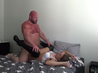 Horny Muscle xxx: Horny Sex with my Muscle Bear (Part 4)