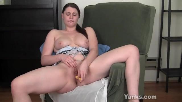 Yanks Leanne Masturbating 13