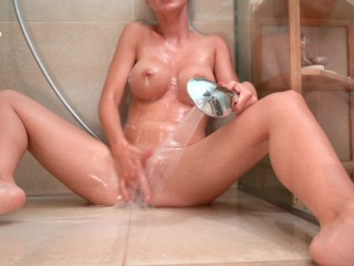 I play with the shower head until I come :-p