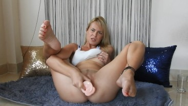 Dildo Fucking Make Me Squirting And I Swallow All