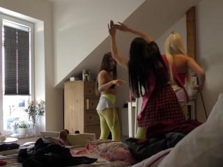 Non Nude Sexy Teens Voyeur at Home Dancing like No Tomorrow Voyeur Softcore