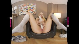 YOU WONT REGRET PLAYING THIS GAME WITH BEAUTIFUL TEEN LOOKING CHLOE TOY