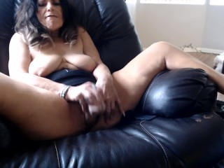 MY MATURE pussy gets worked by boss at office