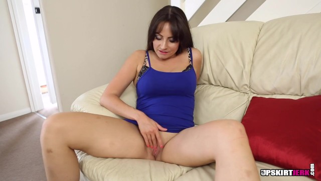 GORGEOUS MILF RUBS HER BIG PUSSY LIPS WHILE YOU JERK OFF IN FRONT OF HER 7