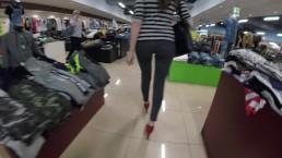 succhio il cazzo nel camerino del negozio - amatoriale italiano
