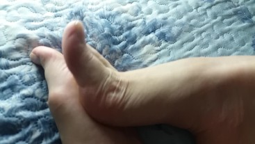 Godess sexy feet showing off