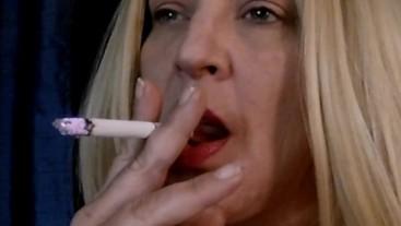 BLONDE MILF SMOKING FETISH