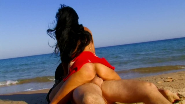 EXPLORERS RESCUE SEXY BABE AND SHE REWARDS HIM WITH PUSSY 10