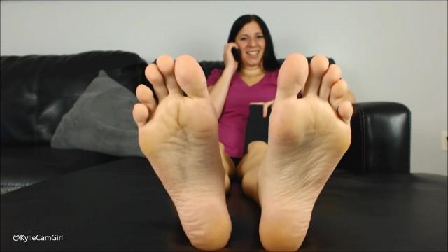 Amateur;Brunette;MILF;Feet;Verified Amateurs;Solo Female lick-soles, worship-soles, clean-soles, soles, big-feet, long-toes, foot-loser, foot-cuckold, foot-pov