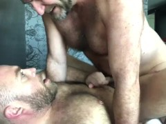Verbal Pounding a hairy cub in Vegas