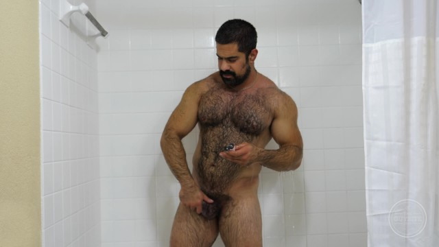 Fem gay porn sites Hairy muscle daddy hugo is an exhibitionist with a big hard dick cumshot