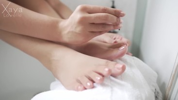 Close-Up Pretty Pedicure: pretty foot fetish nail painting feet worship