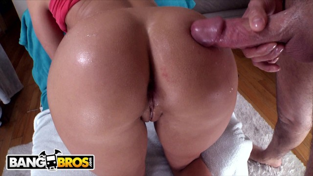 BANGBROS - Blonde PAWG Candice Dare Takes Anal From Mike Adriano