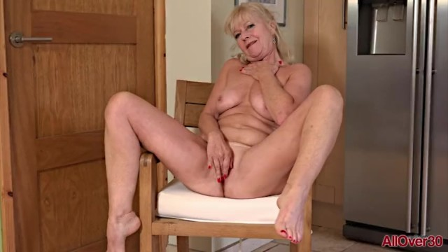 All over 30 in bikini Horny blonde housewife milf sapphire louise fingering mature pussy