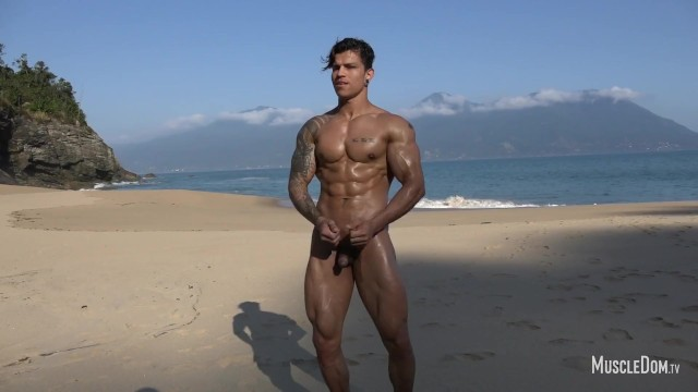 Sexy gay latinos - Sexy muscle worship on the beach