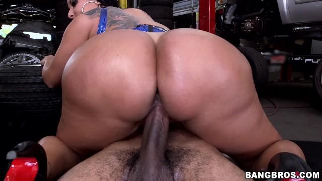 Big booty blonde fucked hardcore anal sex