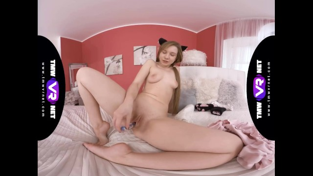 TmwVRnet.com - Alice Klay - Fluffy paws on gentle pussy