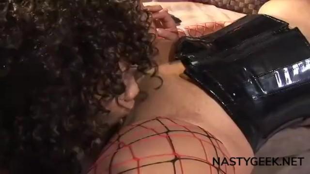 Download Gratis Video Nikita Mirzani black women penetrates each others