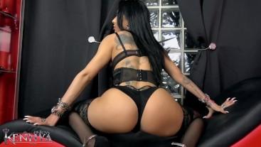Mistress Kennya: Ass tease and worship