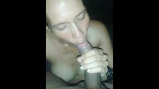 MILF 41 YEARS OLD BLOW JOB/ HER GUY COMING IN HER MOUTH