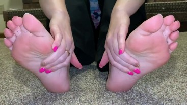 365movies Stinky sweaty sticky soles after work