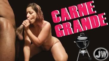 """""""Carne Grande"""" (Jamie Wolf + Isabella Diaz)"""