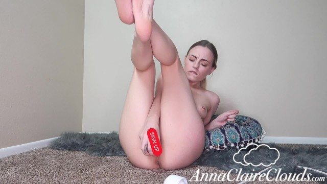 AnnaClaireClouds Edges Until She Squirts 17
