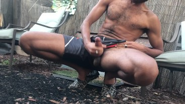 Public Almost Caught Naked Jerk Off in Garden - RockMercury.com