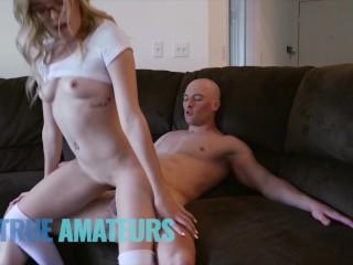 Bubble butt blonde hipster deepthroats cock - Trueamateur