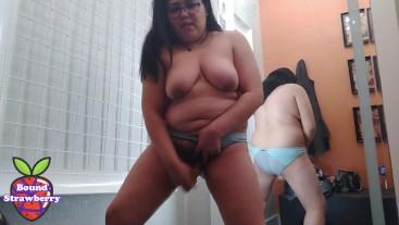 BBW Latina Masturbates with Dildo in Public Dressing Room