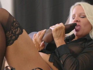 Nikita mirzani - Blonde MILF Black Stocking Self Toe Suck