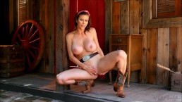Cowgirl MILF Alexis Fawx gets naked and feel to play her vagina