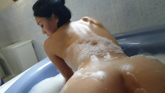 June Liu / SpicyGum : Cute Asian Student Practicing Chinese Massage in Bath