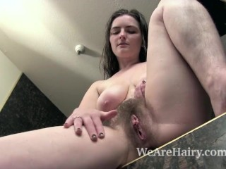 Snow takes a sexy bath and lathers up her body