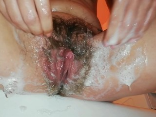 Pissing and shaving my pussy up...