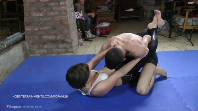New Girl Proves, Lizy - 17' -Mixed Wrestling