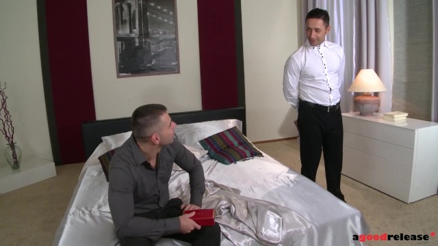Extra hot Vanda Lust goes for anal threesome action to please her lust 20