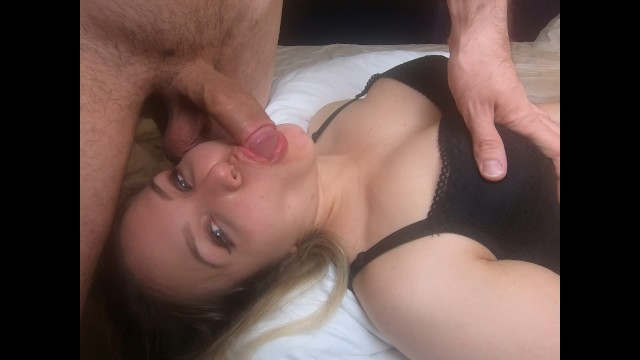 WHO WANT TO FEEL MY COCKSUCKER SKILLS? HOT TEEN IS LOOKING FOR COCK