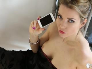 HANNAH DOWNBLOUSE BRALESS PHONE CALL OOPS