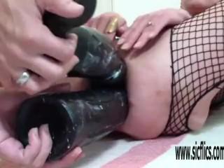 Double XXXL dildo fuck destroys her holes