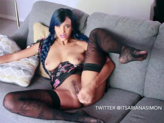 Hot Ebony Cums Using her First Dildo!!