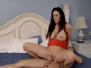 MomsTeachSex – My Hot StepMom