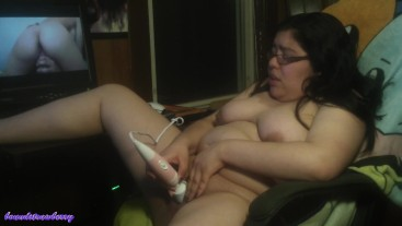 BBW Cums With Hitachi While Watching Porn